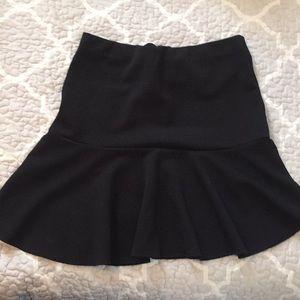 H & M short black skater skirt